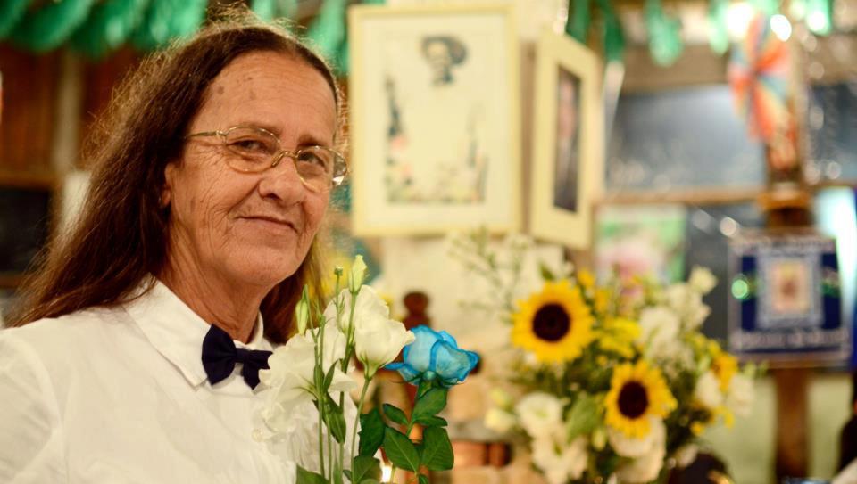Mad. Regina Pereira Guardiã dos hinários e zeladora da nossa igreja